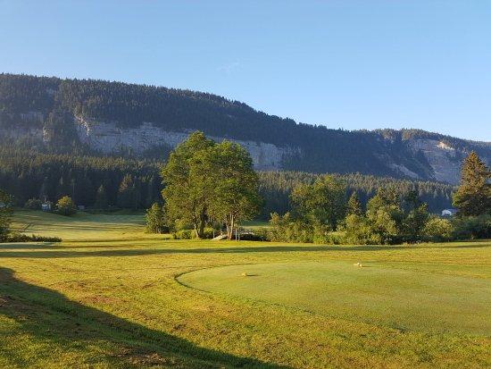 Golf et restaurant de la Valserine
