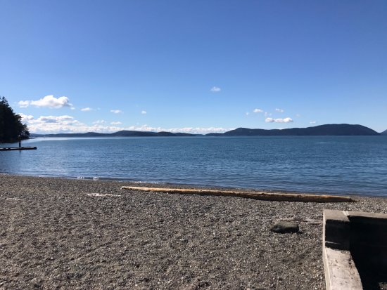 Anacortes, WA: Another look towards the San Juan Islands.