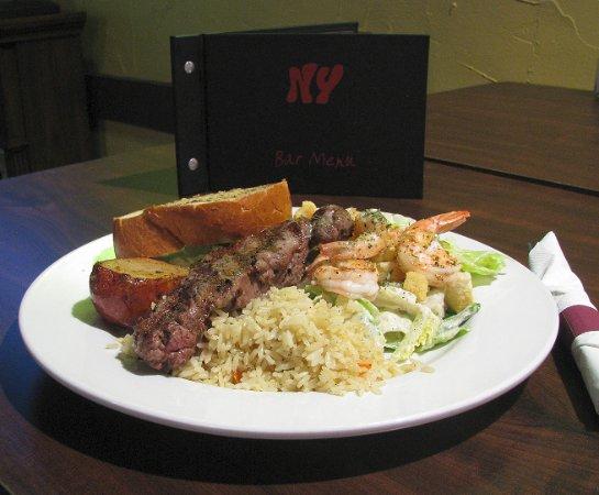 Langley City, Canadá: Steak & Prawns