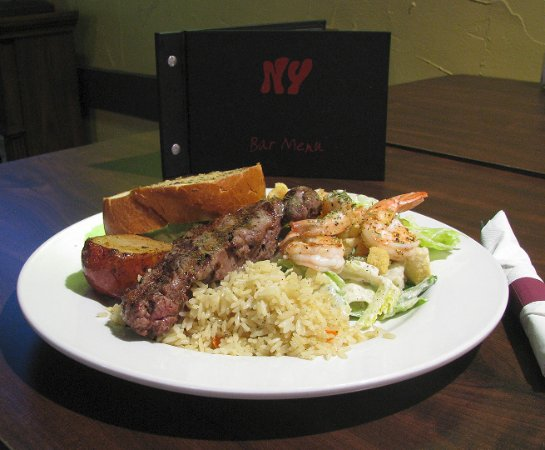 Langley City, Canada: Steak & Prawns