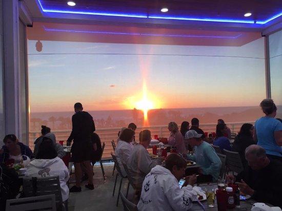 Crabby Bill's Clearwater Beach: 3rd floor sunset views