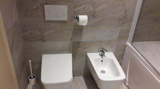 Alexander Hotel: 20170418_115230_large.jpg