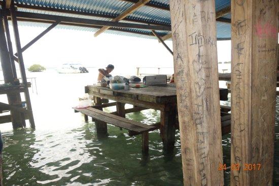 Sainte-Anne, Guadeloupe: Préparation du repas
