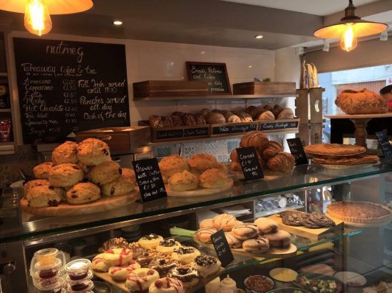 Birr, Irlandia: nutmegs counter everything is baked fresh every morning and throughout the day