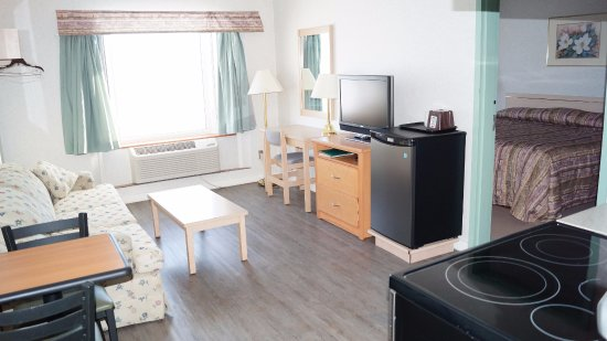 Neepawa, Canadá: Kitchenette Suite