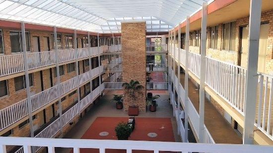 Disposition des chambres comme dans une prison h las bruyante photo de r - Disposition de chambre ...