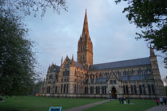 Salisbury Cathedral: At sunset