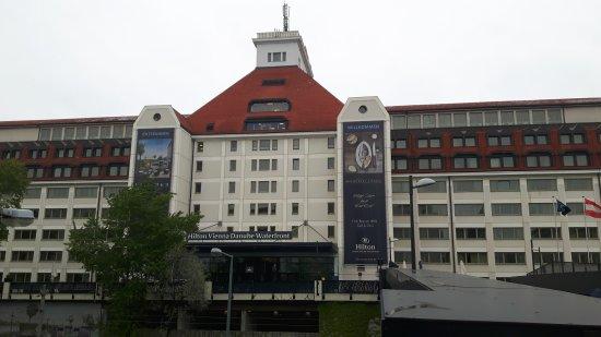Hilton Vienna Danube Waterfront: 20170419_092118_large.jpg
