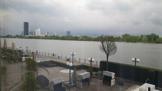Hilton Vienna Danube Waterfront: 20170418_164730_large.jpg