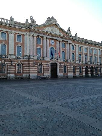 Place du Capitole: Capitole