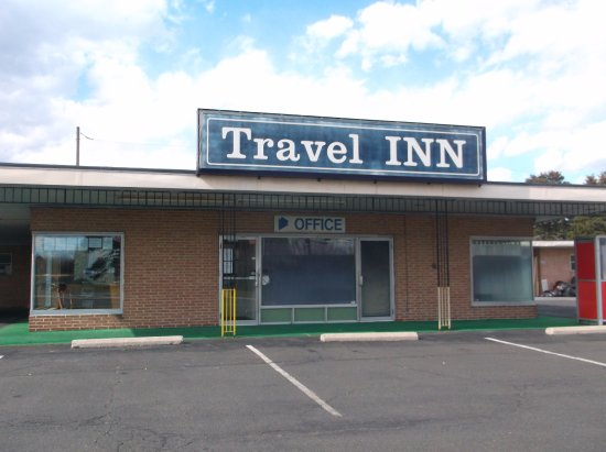 Wind Gap, PA: Front of Travel Inn. Come see us and see our new rooms.