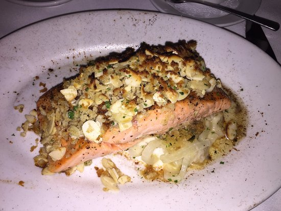 Clayton, MO: New Zealand Salmon