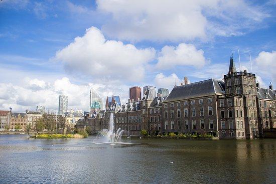 Binnenhof & Ridderzaal (Inner Court & Hall of the Knights): Binnenhof mit Hofvijver