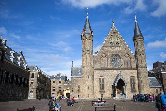 Binnenhof & Ridderzaal (Inner Court & Hall of the Knights): Binnenhof