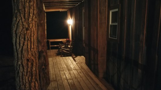 Cullowhee, Carolina del Norte: Fort Small Room - front porch