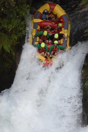 Kaituna Kayaks: Going down the 7m Waterfall