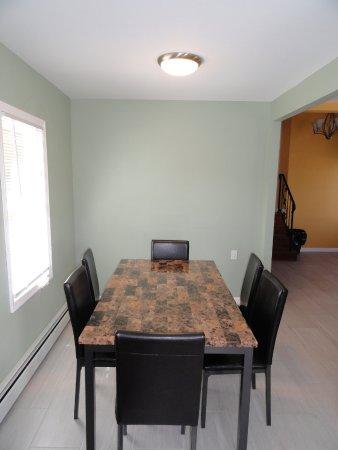 Seaside Heights, NJ: 2 BR House Dining Area