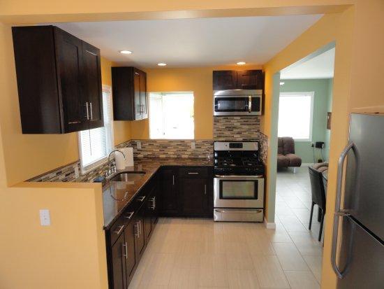 Seaside Heights, NJ: 2 BR House Kitchen
