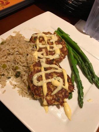Excellent food + horrible waiter!!