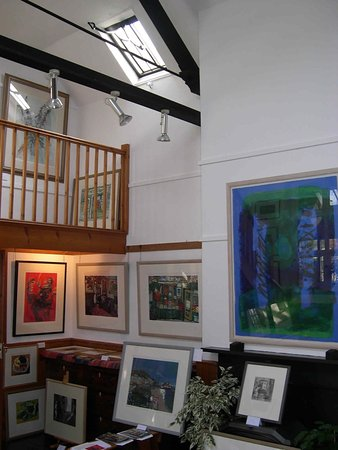 Wells-next-the-Sea, UK: Examples of work available at the School House Gallery, Wighton