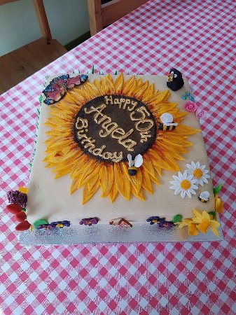 Strathyre, UK: Celebration cakes