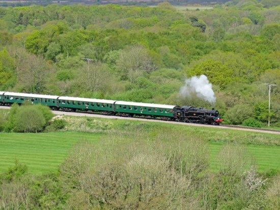 """Swanage, UK : Le """"steamtrain"""" au milieu de la campagne anglaise"""
