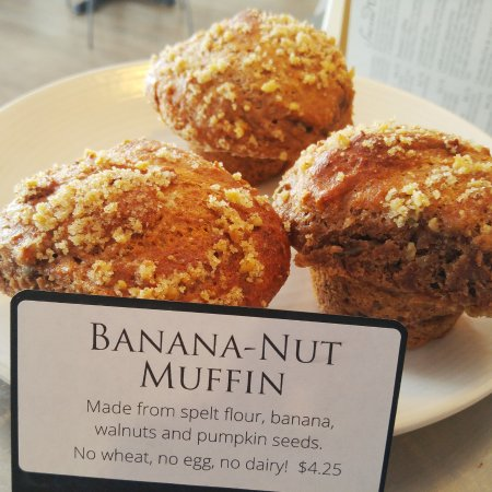 Camrose, Canadá: Egg-free, dairy-free organic spelt muffins