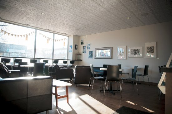 Camrose, Canada: The cafe, with large windows and spacious seating