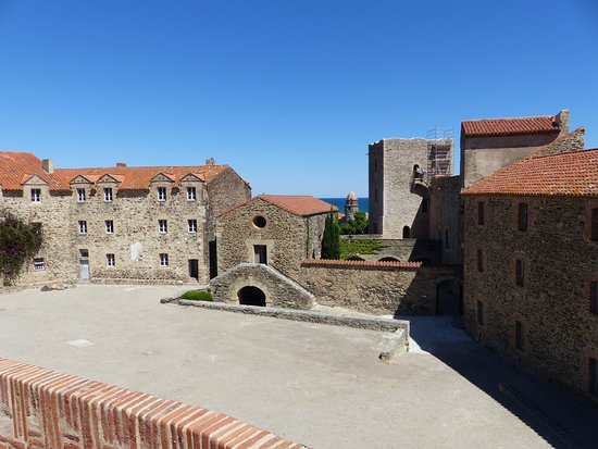Picture of the royal castle chateau royal - Chateau royal collioure ...