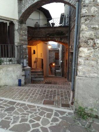 Montefranco, Italie : IMG_20170421_195317_large.jpg