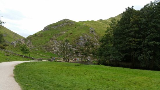 Ashbourne, UK: Dovedale gentle stroll.