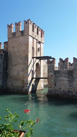 Rocca Scaligera di Sirmione: ponte levatoio