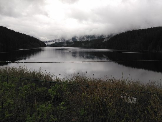 North Vancouver, Kanada: The water retained by the dam