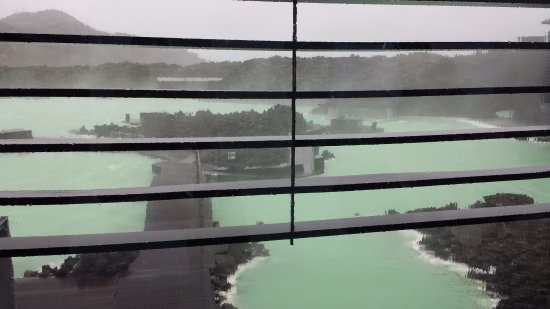 Grindavik, Islandia: Lagoon on a storm