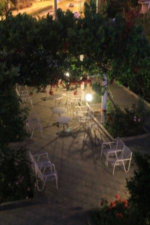 Rio, Grecja: внутренний дворик
