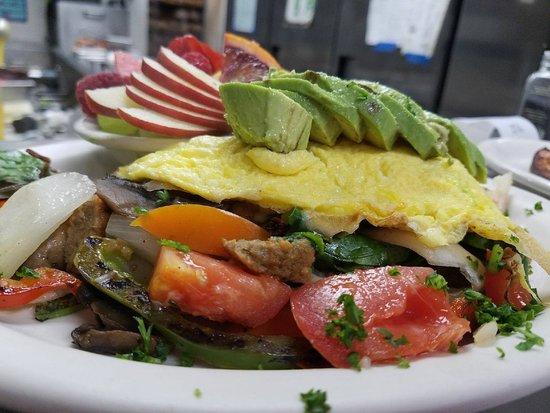 Auburn, CA: Veggie Omelette
