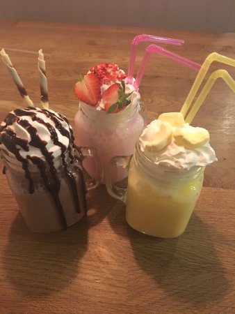Buttercup Cafe: Milkshakes!