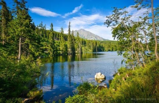 Vysoke Tatry, Eslovaquia: Strbske Pleso lake, High Tatras. #slovakia #tatry #adamtas #photographer #adamtasimages
