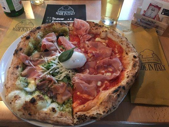 Cassano Magnago, إيطاليا: Il top! Per mangiare una buona pizza napoletana non bisogna andare per forza a Napoli!
