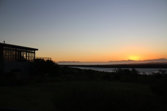 Gordon's Bay, South Africa: Sunset at Colourful Manor