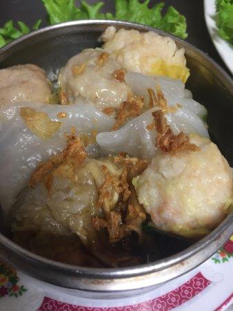Callian, Frankrig: Saigon, la bonne adresse pour le repas de famille, entre des amis, ses plats ont des goûts diffé