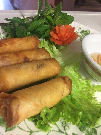 Callian, Frankrike: Saigon, la bonne adresse pour le repas de famille, entre des amis, ses plats ont des goûts diffé