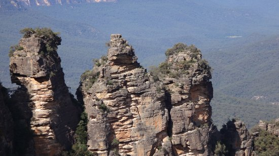 The Three Sisters : three sisters