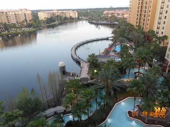 Wyndham Bonnet Creek Resort: Tower 5 10th floor Pool view