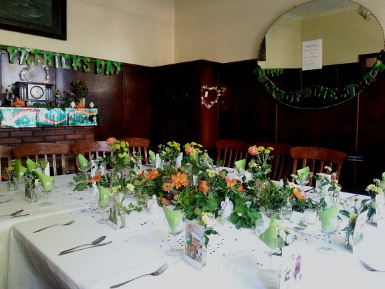 Linga Longa - Daylesford: Our Table for St Patrick's Day Dinner. In Dining Room of Main Cottage