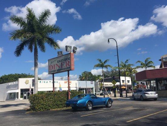 Photo of American Restaurant Jimmy's Eastside Diner at 7201 Biscayne Blvd, Miami, FL 33138, United States