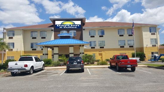 Days Inn & Suites Foley