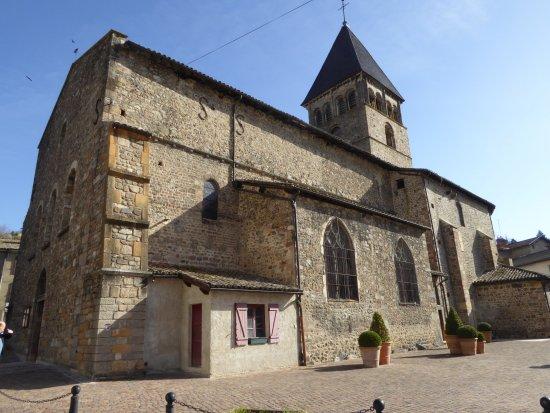 Beaujeu, France : Eglise Saint-Nicolas