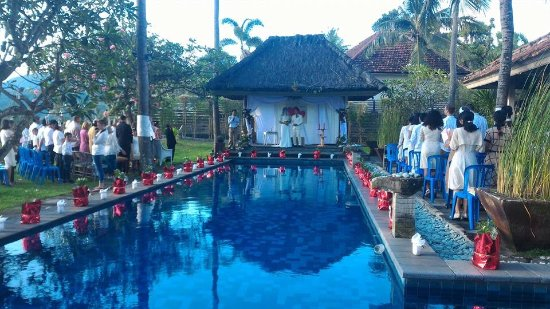Imaj Private Villas Lombok : Wedding ceremony by the private pool please come on I don't know how to finish this now it's not