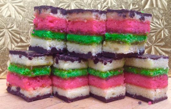 Smithtown, Νέα Υόρκη: There is no comparison, our Rainbow cookies are not like any others you've ever had! Really a mu
